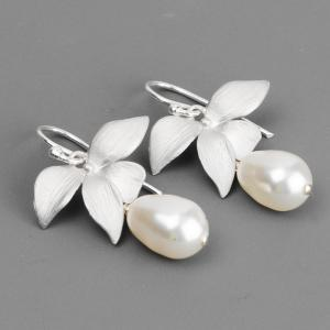 White Pearl Bridal Earrings - Swaro..